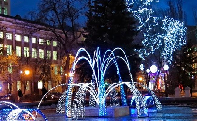Фонтан в КОльцовском сквере зимой