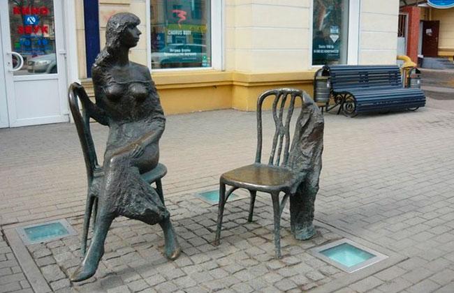 Памятник Незнакомке (Воронеж), фото