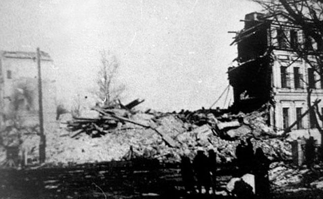 Разрушенный бомбардировками Воронеж, 1942 г.