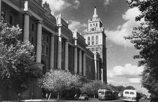Башня здания ЮВЖД, старое фото