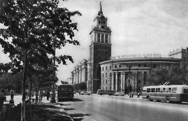 Фото здания Управления ЮВЖД, 1966 г.