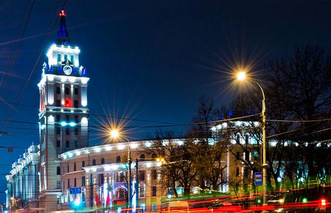 Здание ЮВЖД Воронеж, ночное фото