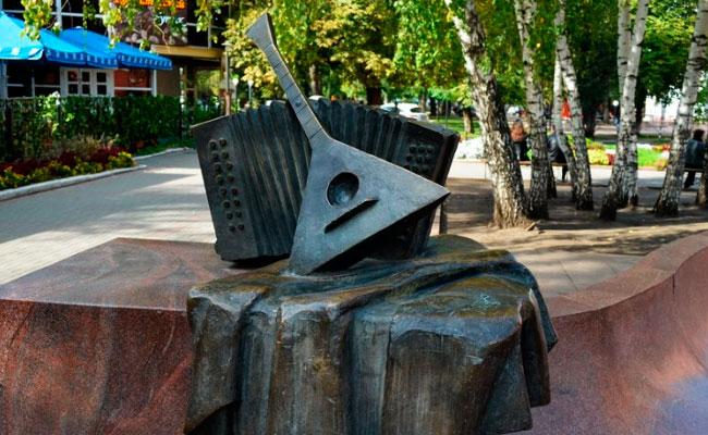 Фрагмент памятника Пятницкому