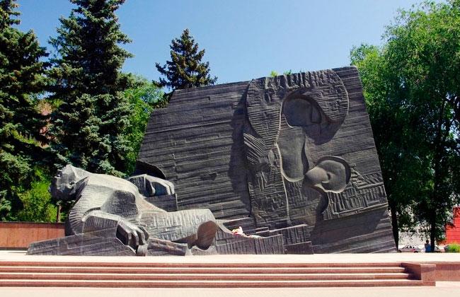 Московский проспект (Воронеж): памятник Славы