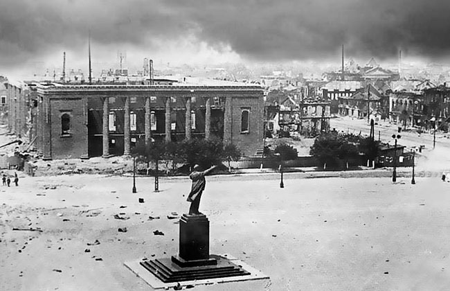Памятник Ленину (Воронеж), фото 1942 г.