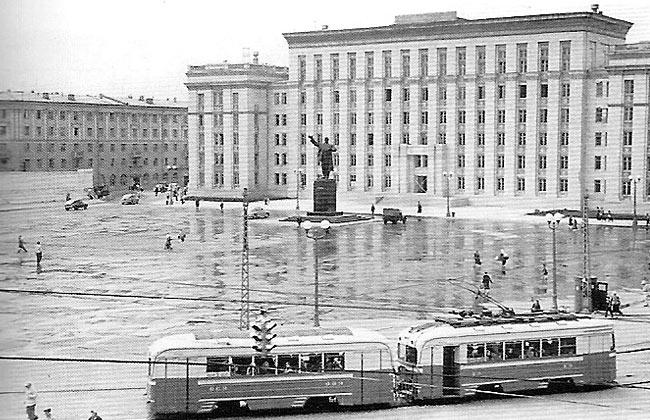 Памятник Ленину на площади Ленина, 1959 г.