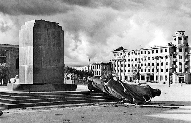 Памятник Ленину (Воронеж) в годы войны