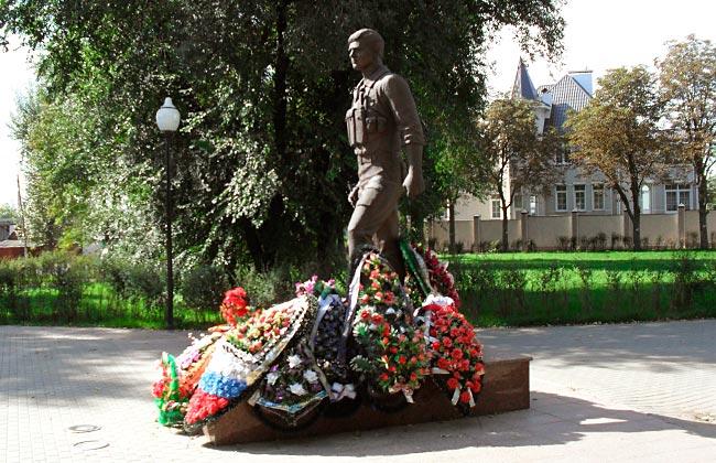 Памятник воинам-интернационалистам (Воронеж): фото